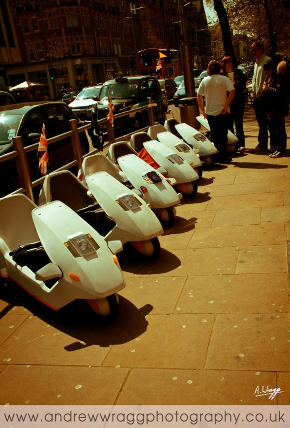 Sinclair C5 Owners' Club - C5s parked in London City Centre